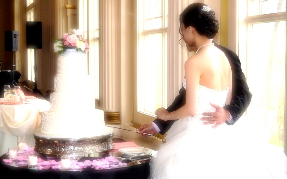 【無料音楽素材】結婚式場や披露宴等の映像・動画制作向けのフリーBGM「 Eternal Rings Story / Free BGM Ver. 」